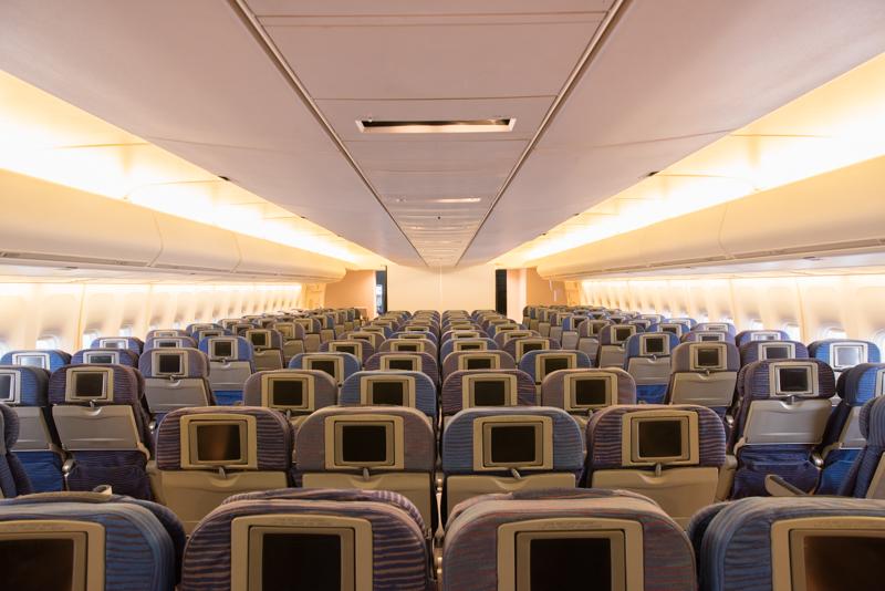 座席配置は3-4-3のジャンボ仕様